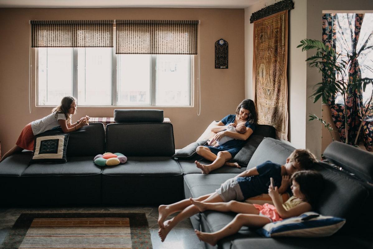 séance photo enfant et petit bout adorables en famille sur le vif